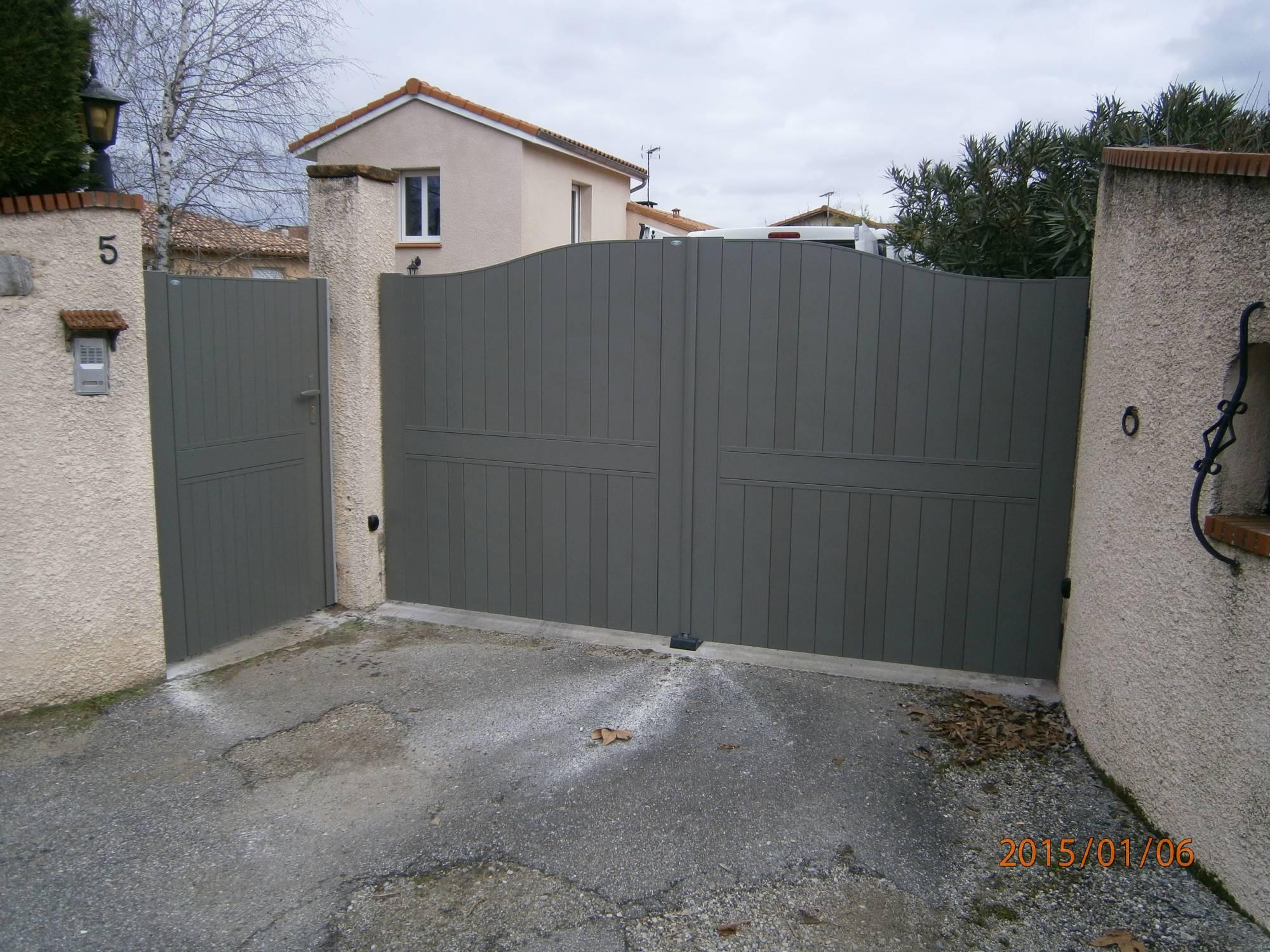 Portail coulissant 2 vantaux portail cofreco double - Portail d angle ...