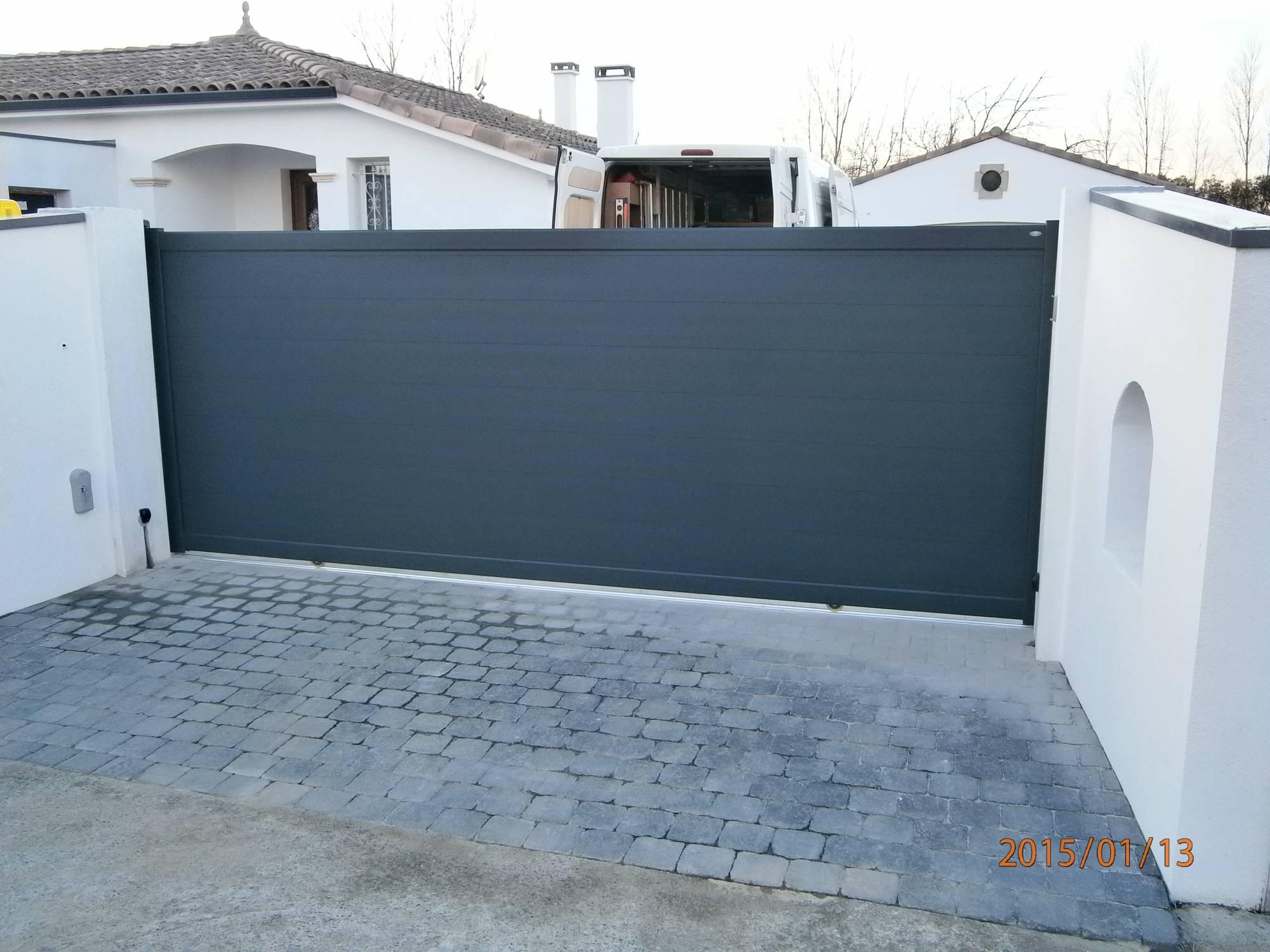 portail coulissant as2 lin a lames horizontale de 200 mm fabrication et pose de portail. Black Bedroom Furniture Sets. Home Design Ideas
