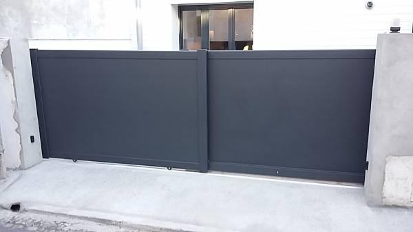 fabrication et pose de portails coulissants alu autour de toulouse. Black Bedroom Furniture Sets. Home Design Ideas