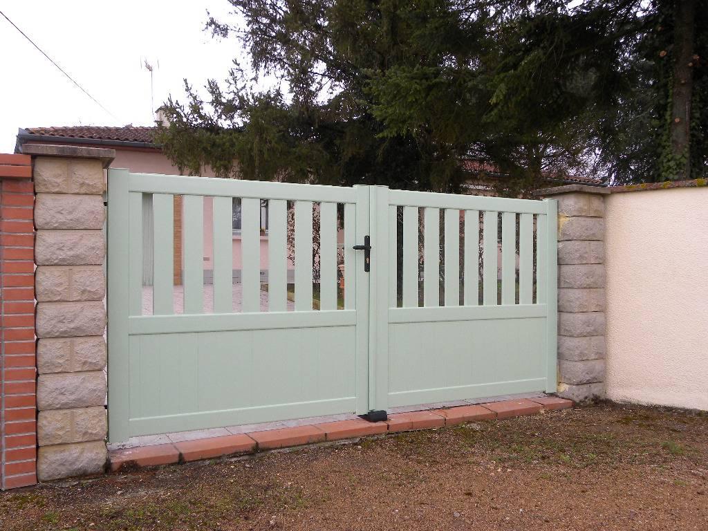 Portail 2 vantaux thalys as2 soubassement horizontal fabrication et pose de portail volets et - Portail 2 vantaux ...